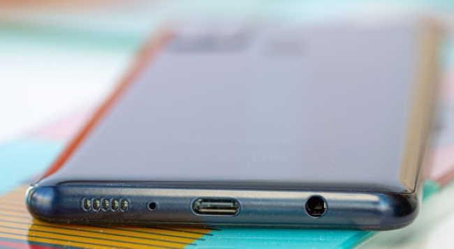 Обзор Samsung Galaxy A21s корпус