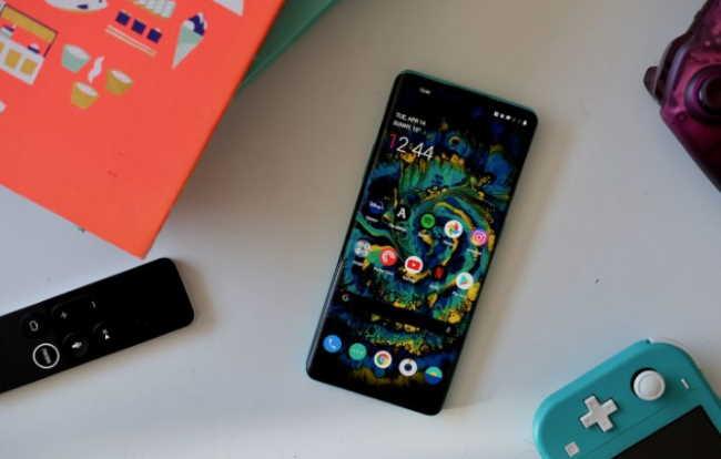 Лучший смартфон 2020 года: 14 лучших смартфонов, доступных прямо сейчас - Samsung Galaxy S20 / S20 Plus